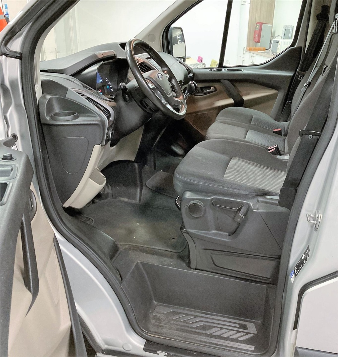 Ford-Transit Custom-7